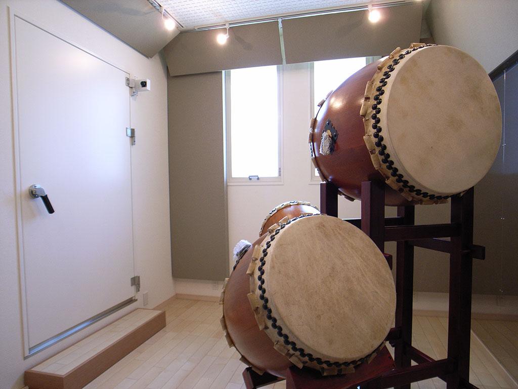 戸建住宅に制作した和太鼓スタジオ防音室